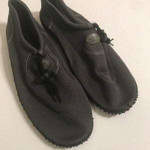 Sun Surfer water shoes size 41 gray